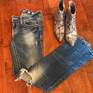 Miss Me distressed 'Sunny Skinny'